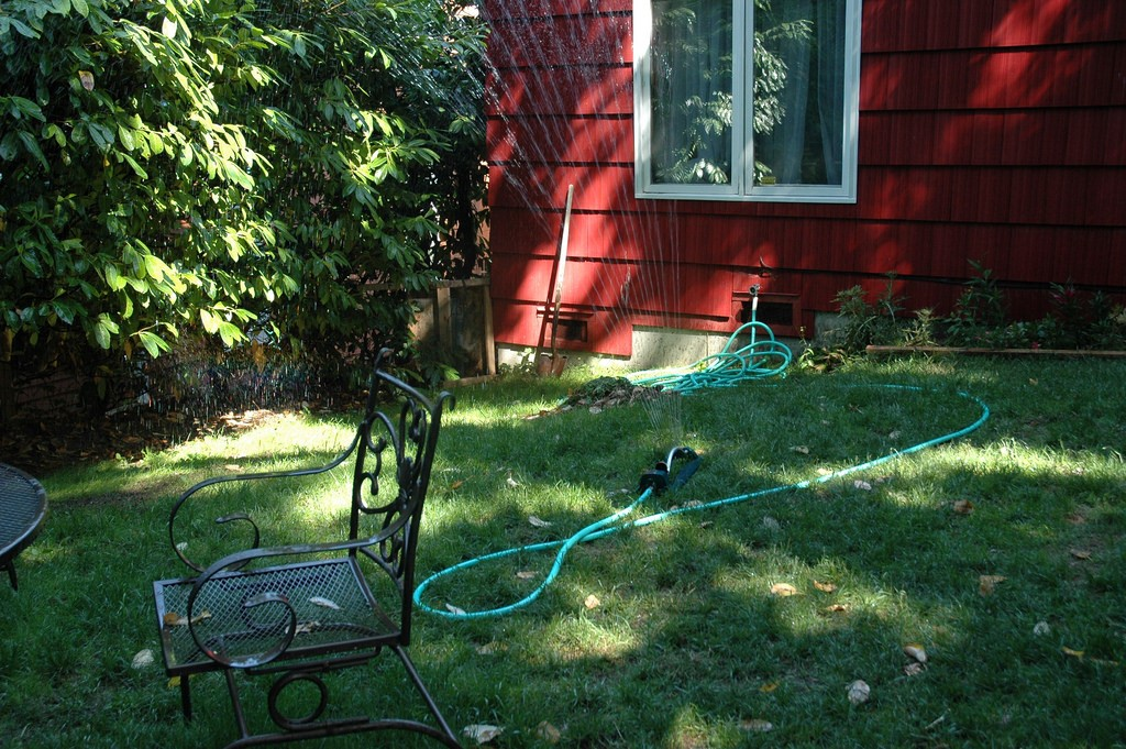 how to water your own lawn 1